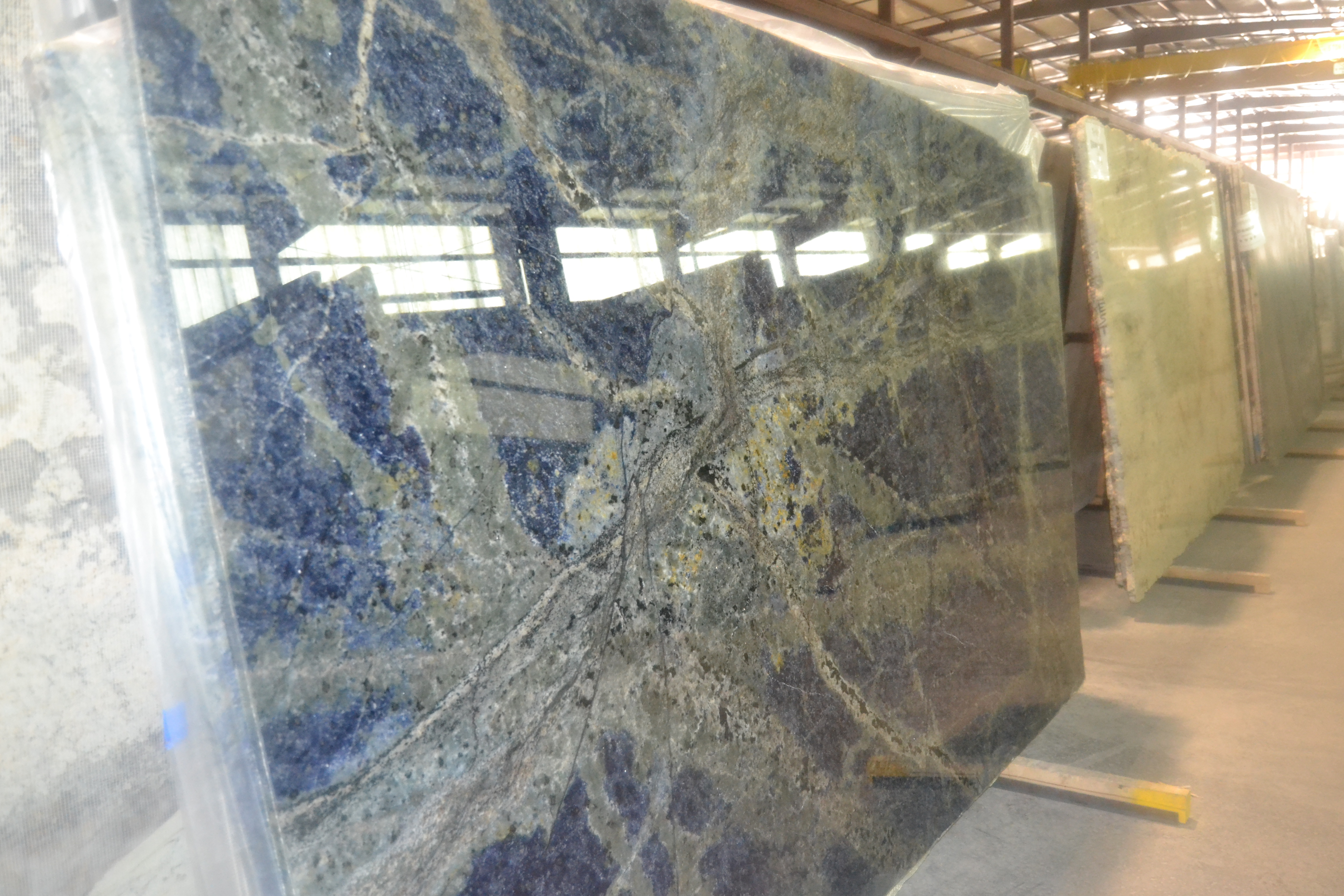 "Product Name: SODALITE BLUE 2CM   Lot #: MARM8289    Avg. size: 115"" X 67"""