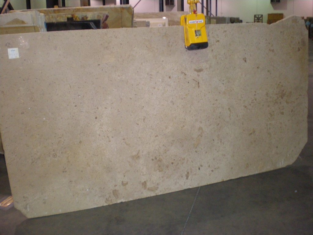 "Product Name: CREMA VALLE 3CM   Lot #: STSP1008    Avg. size: 118"" X 58"""