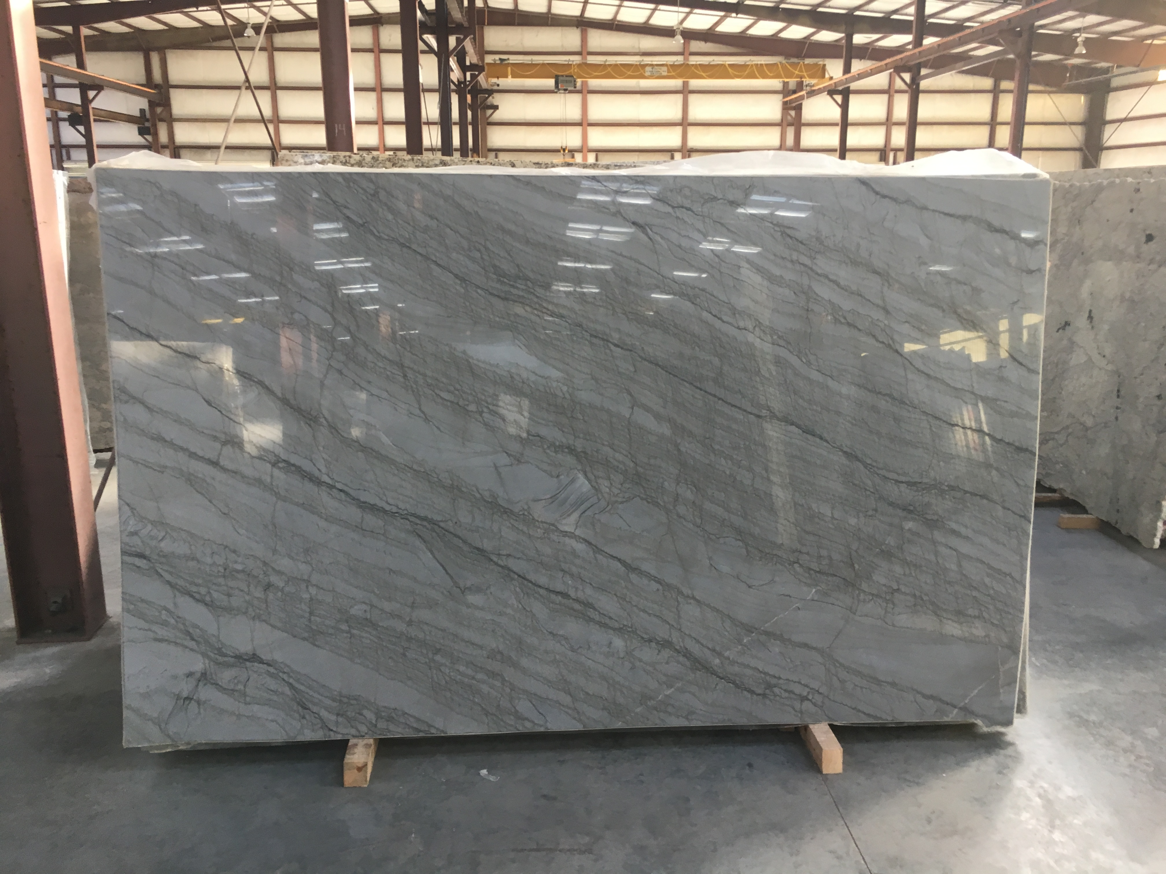 "Product Name: ARGENTO QUARTZITE 3CM   Lot #: UNIQ3178    Avg. size: 122.666666666667"" X 74.6666666666667"""